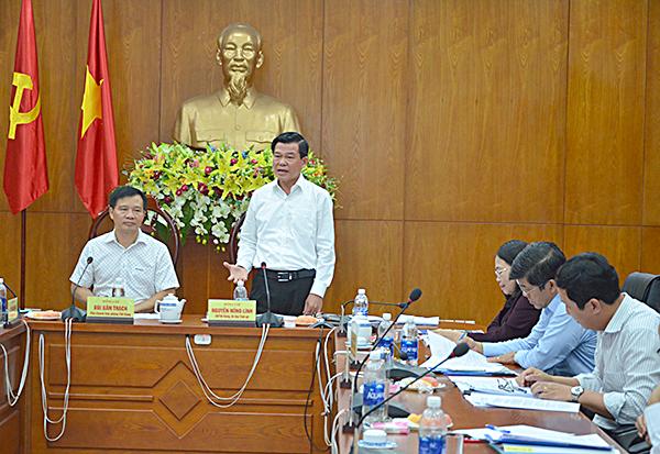 Đồng chí Nguyễn Hồng Lĩnh nêu những khó khăn vướng mắc của tỉnh trong thời gian qua.