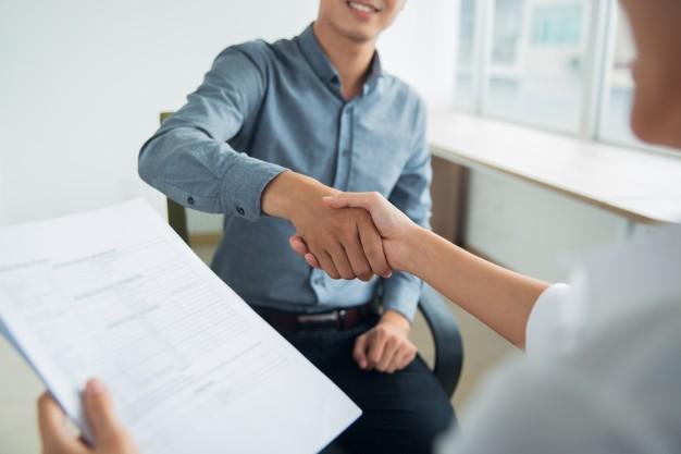 Khi bạn muốn nghỉ việc để sang công ty đối thủ?